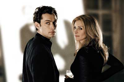 Jude Law y Julia Roberts