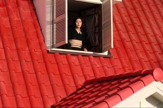 La casa del tejado rojo